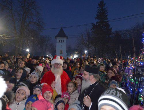 """""""Dar de Crăciun"""" – """"Căldură pentru inimi curate"""" pentru 1700 de copii la Episcopia Hușilor"""