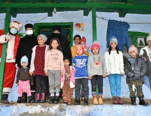 """330 de copii din satele din nordul județului Vaslui au fost vizitați marți de Caravana """"Dar de Crăciun"""""""